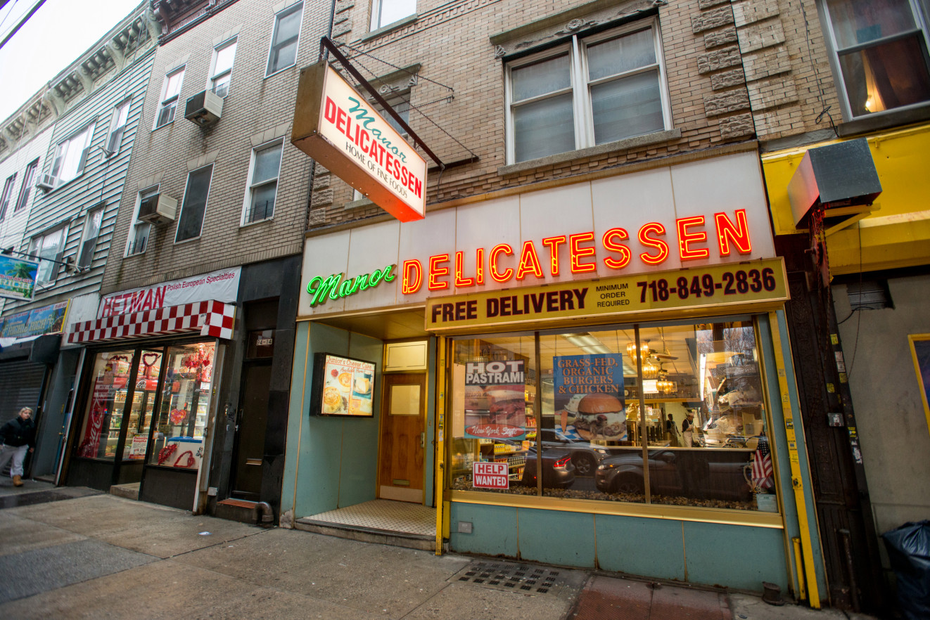 Small New York Businesses Struggle to Survive